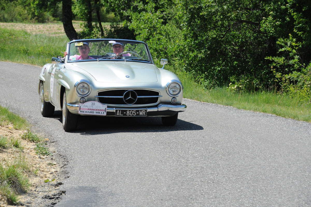Mercedes 190 SL 1961 ..... Photo : R.S.
