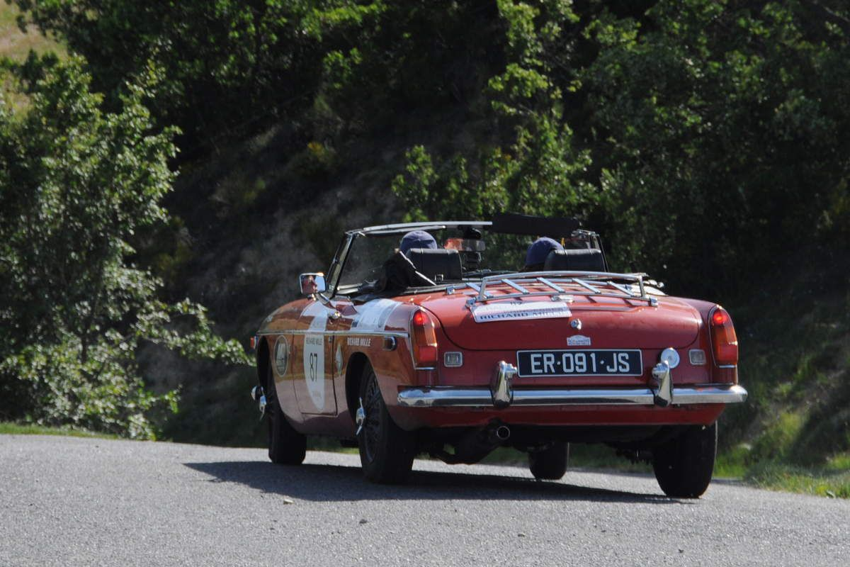 MG B Cabriolet 1976 ..... Photo : R.S.