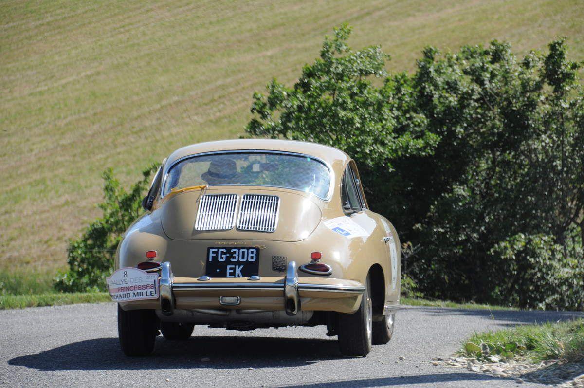 Porsche 356 ..... Photo : R.S.