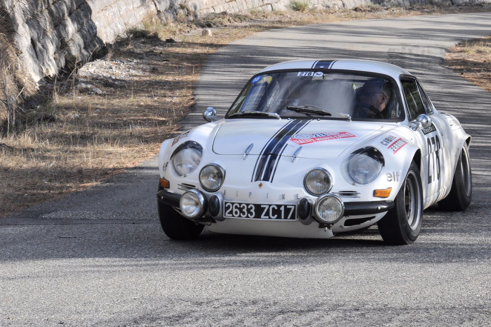 Alpine A110 1300 1974 ..... Photo : R.S.