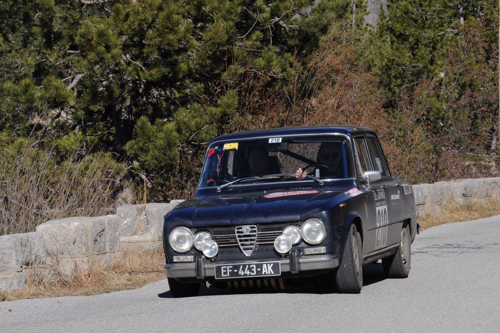 Alfa Romeo Giulia Super 1971 ..... Photo : R.S.