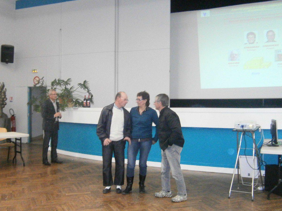 Robert , Solange , Christian et Francis à l'honneur pour le nombre de sortie FFCT