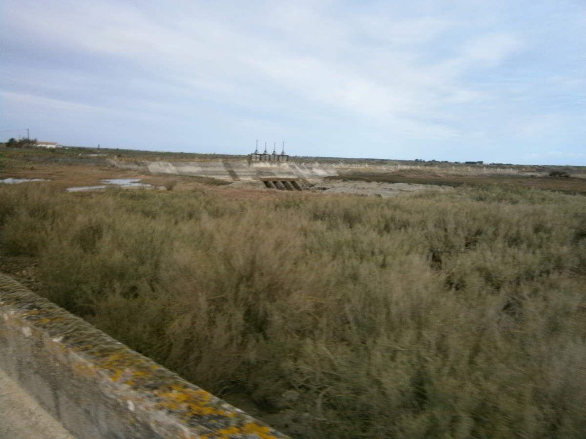 Très pittoresque par la piste au milieu des marées .