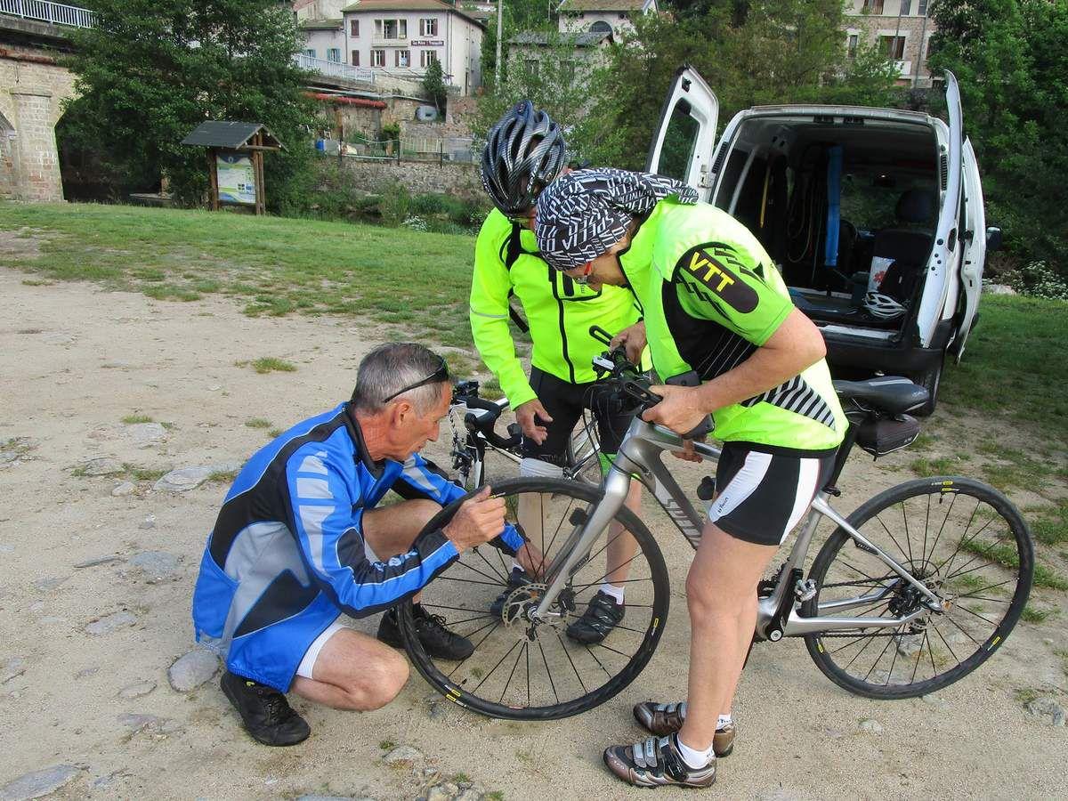 Problème de roue sur le vélo de françoise .