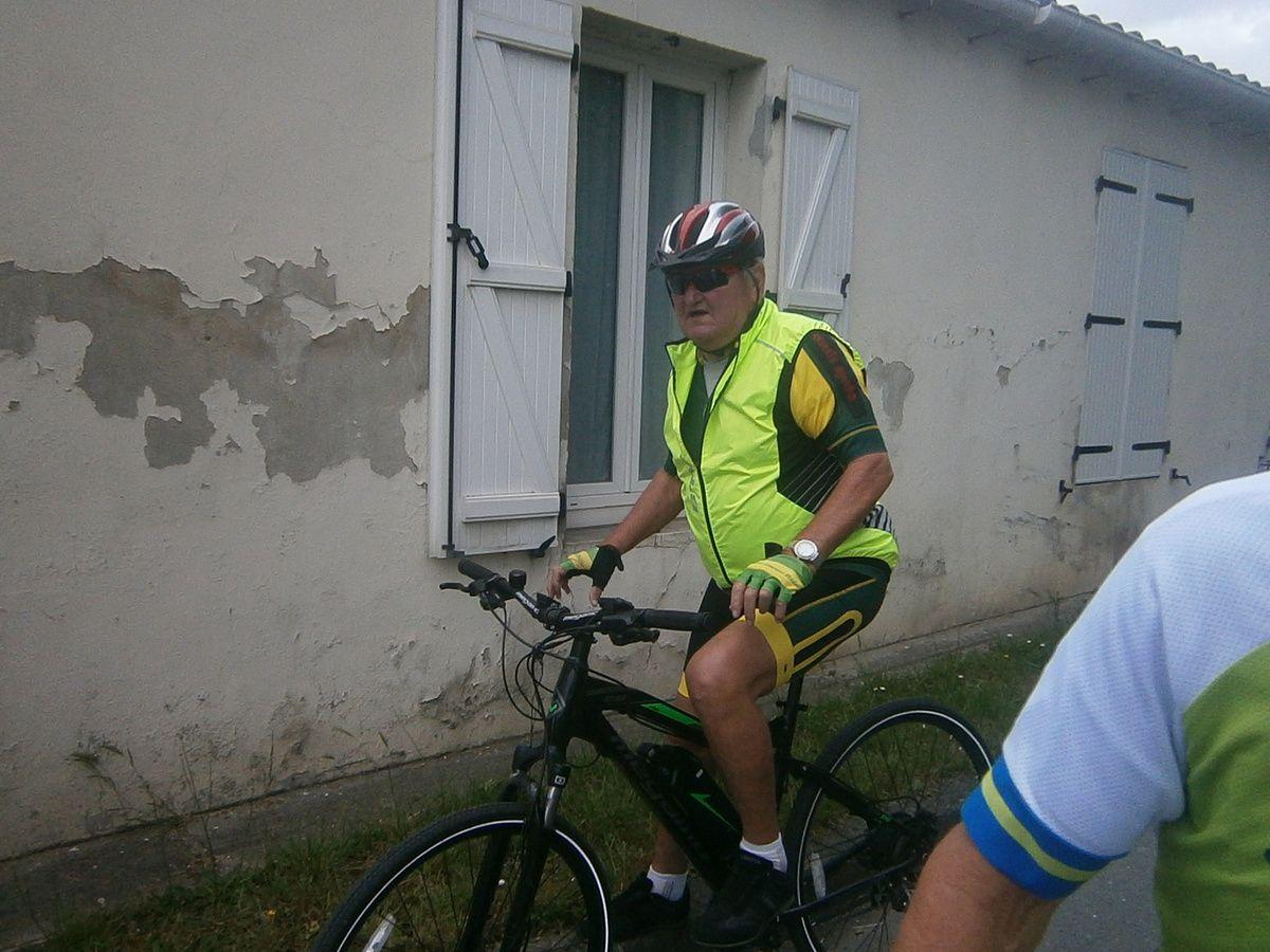 Lorsque l'on ne peut plus faire de vélo à cause d'un problème de santé ---> un petit vélo électrique est tout à fait approprié c'est très bien . Cela évite de rester chez soi .