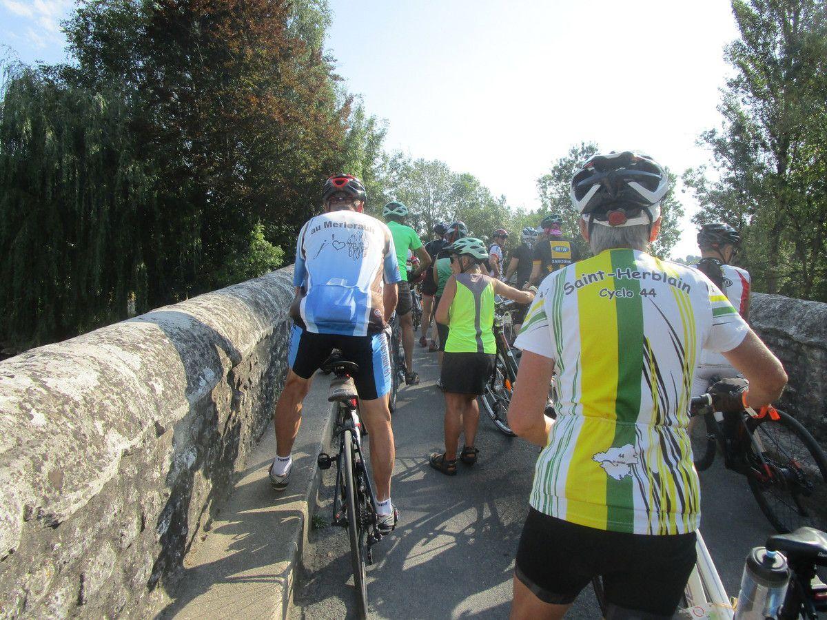 Nous entrons dans Châteauneuf -sur-Charente .