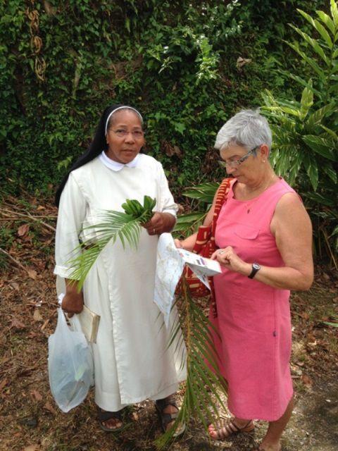 Pierre et Monique Laurent ont rencontré Sœur Françoise sur l'île de la Dominique et transmettent ses amicales salutations aux Martégaux..