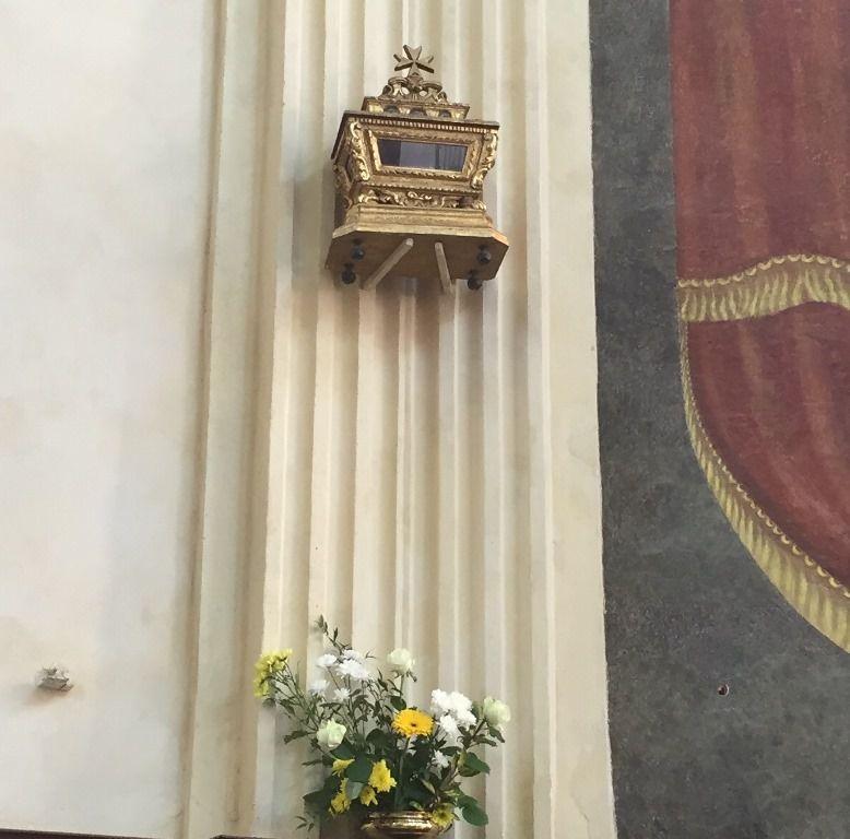 Un grand merci à toutes celles et ceux qui ont participé à cet embellissement pour la Fête de tous les saints et pour la Commémoration des défunts.