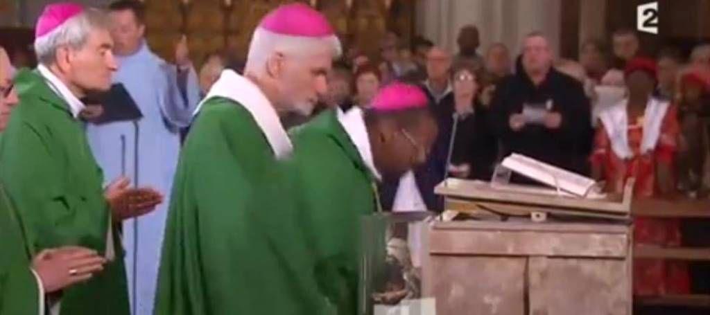 Lors de messe de clôture présidée par Mgr Pontier.
