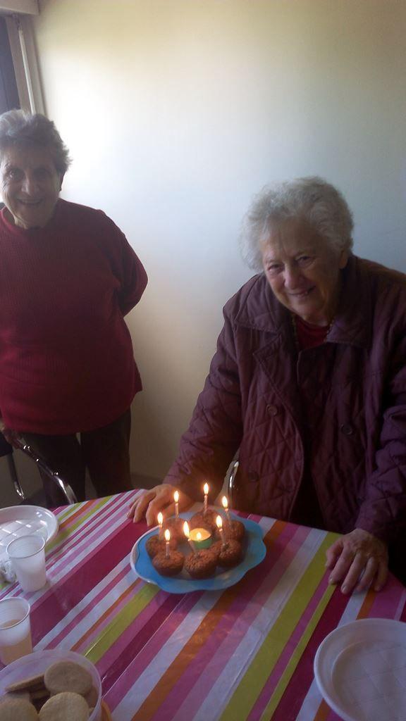 80 ans de Marie Thérèse GHIJI avec l'équipe de l'aumônerie au Vallon.