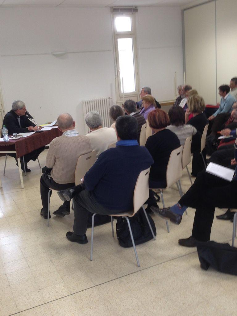 Les diacres du diocèse, accompagnés de leurs épouses, en réunion avec Mgr Dufour à Martigues