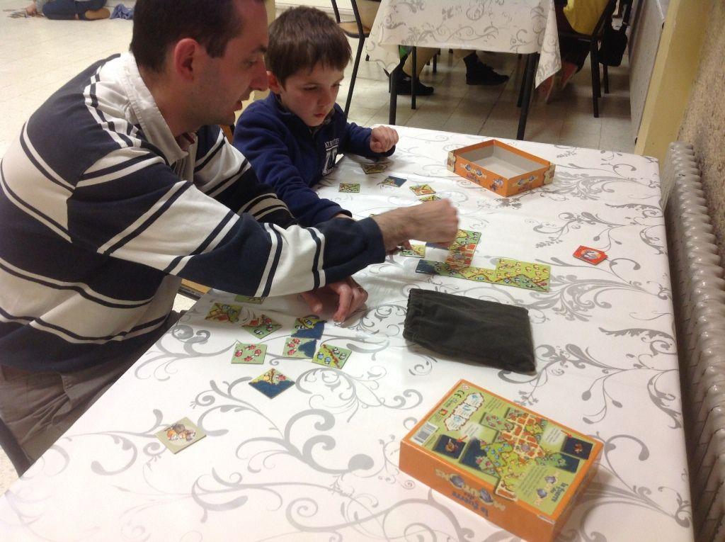 Retour sur la soirée d'hier : jeux de société en famille.
