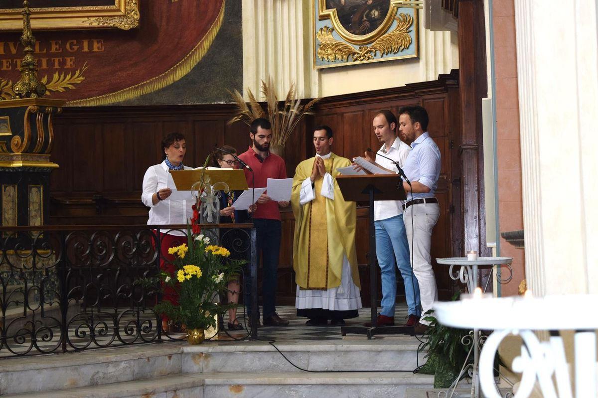 L'église de La Madeleine était bondée pour fêter le premier anniversaire de la Maison Saint François.