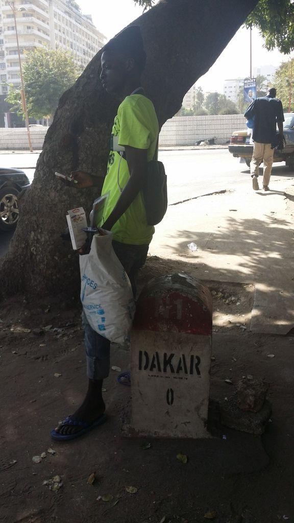 Arrivée à Dakar, l'abbaye de Keur Moussa, Mampatim, installation des bâches Sainte Claire et Sainte Marie Madeleine et la consécration