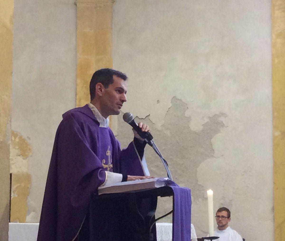 La messe était animée par la chorale africaine et antillaise.
