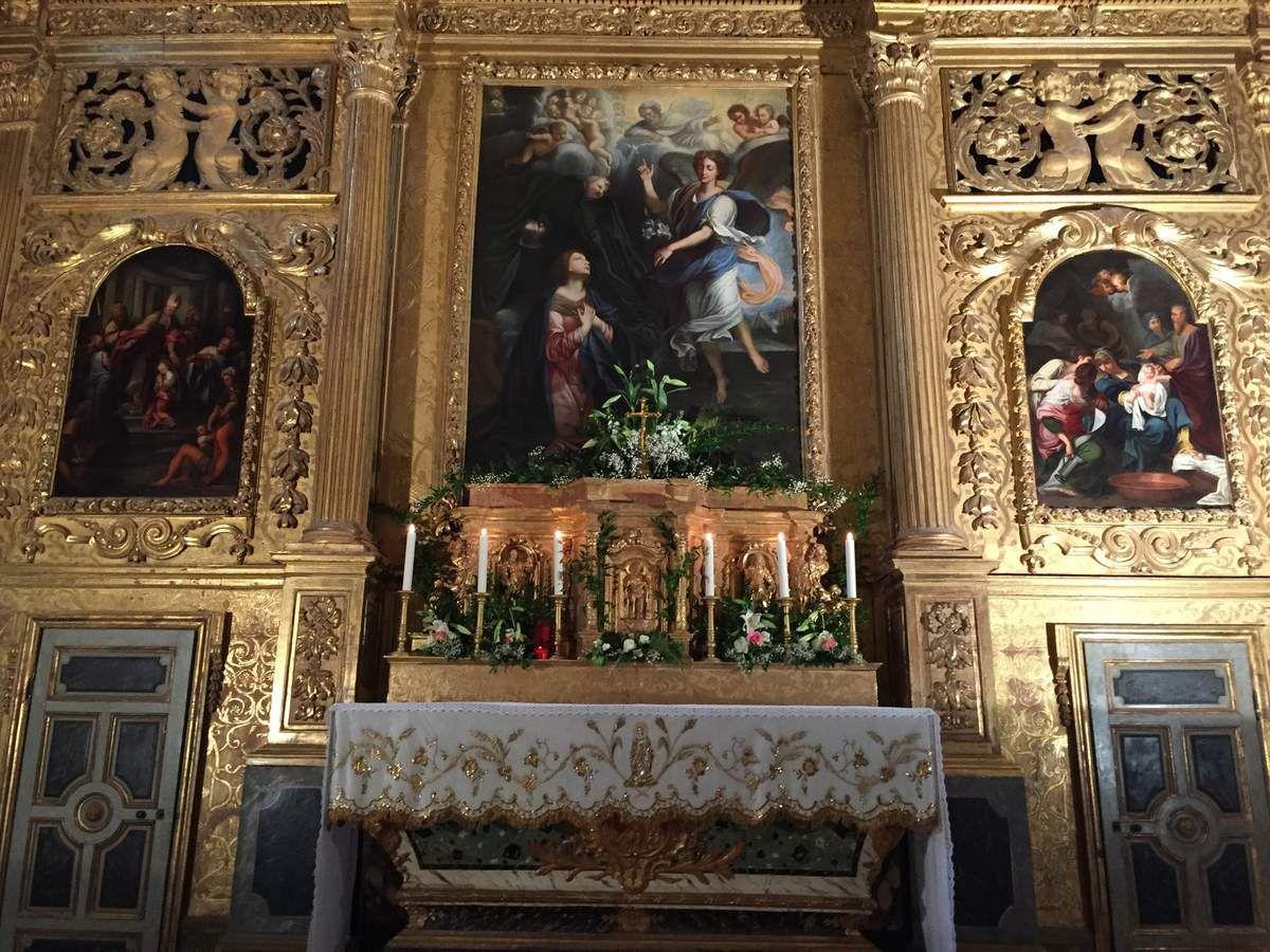 Nappe d'autel rénovée par le talent de David Kammerer