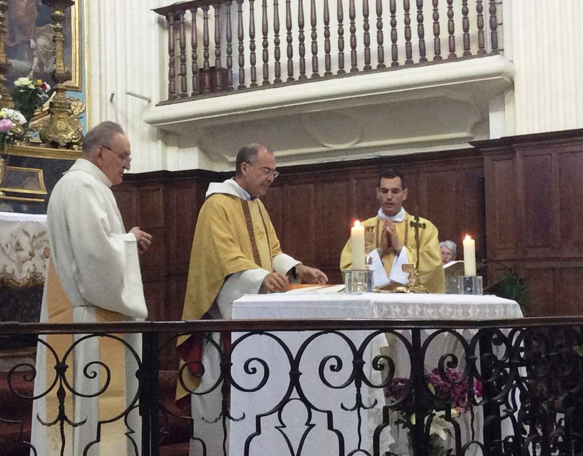 Baptêmes de Jessie et Gabriel, Première Communion de Krys, Fiona et Matthieu, Remise de La Parole de Dieu à Michael et Emmanuel