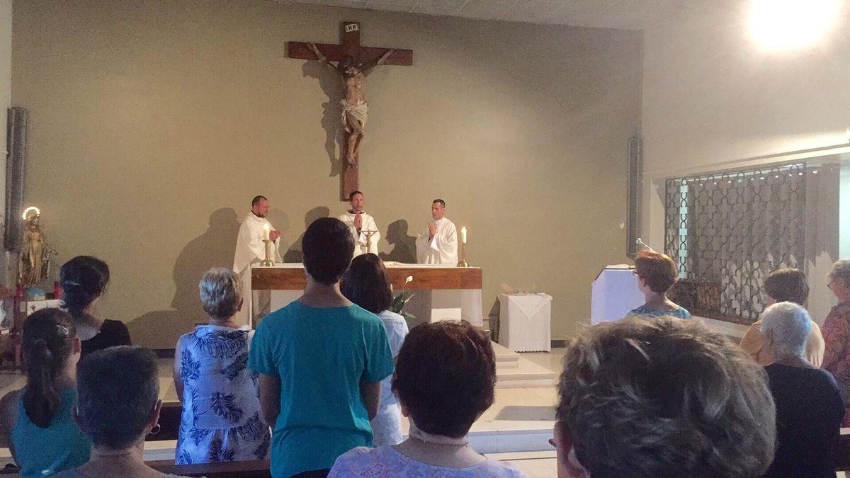 Trois vicaires à MARTIGUES  pour la Solennité du Sacré Cœur ! Nous souhaitons la bienvenue au Père Gilles-Marie Lecomte !