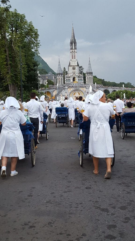 Procession mariale