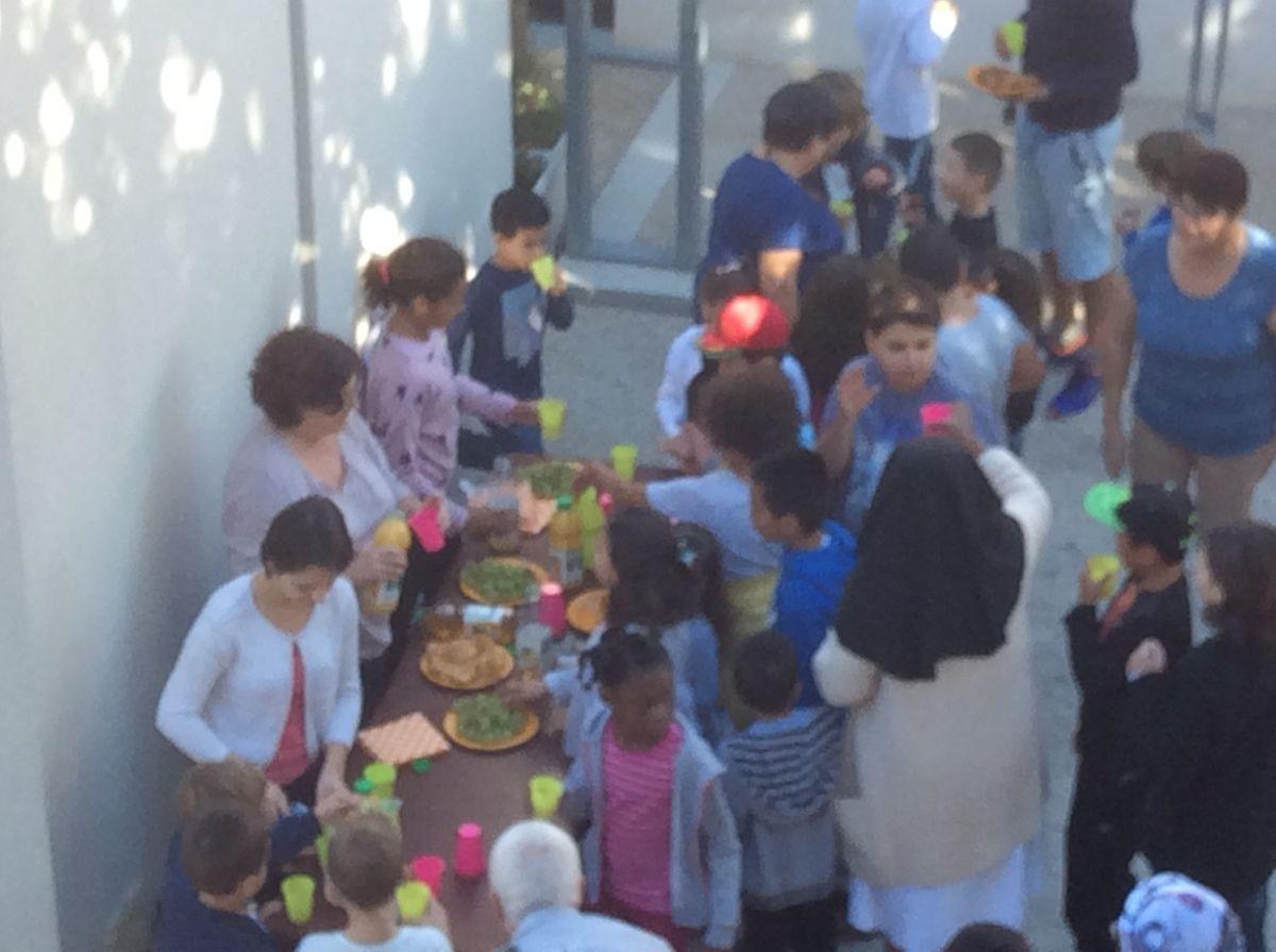 Les enfants de l'éveil à la foi et du catéchisme mercredi. L'arche de l'alliance est bien entourée !