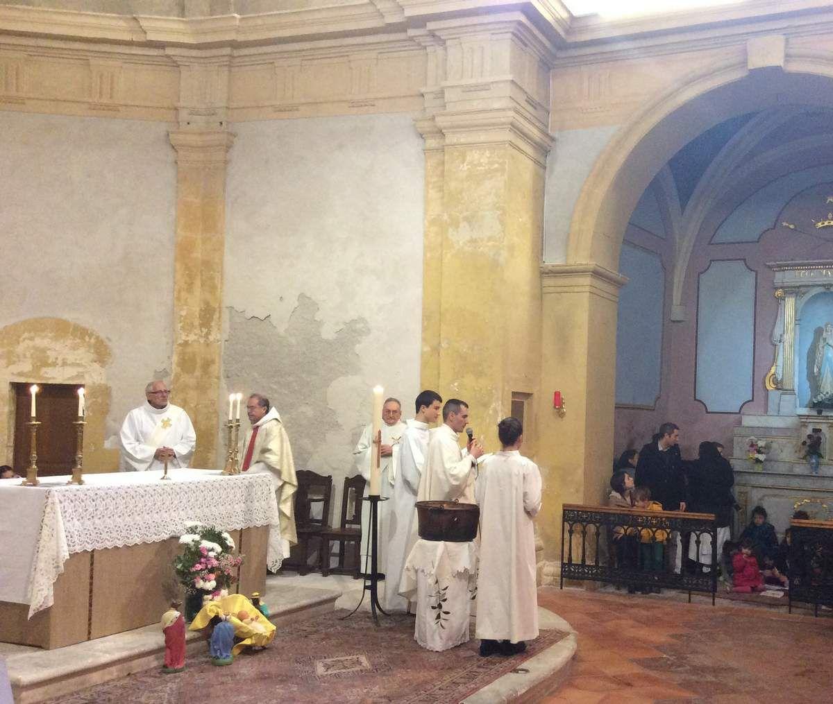 Baptême de Gaspard ce matin à l'église Saint Louis d'Anjou