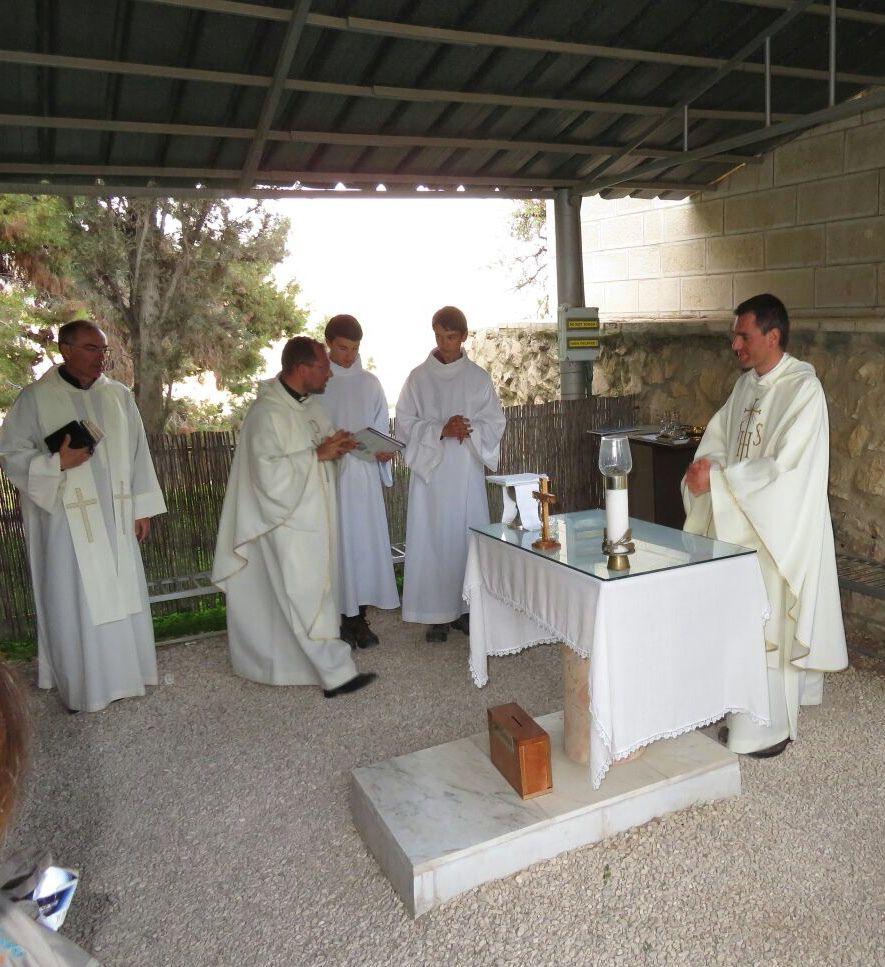 Messe à Bethléem au Champ des Bergers, la paroisse de Martigues était en intention de  prières.