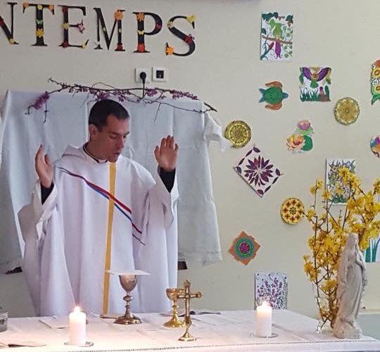 Quelques moments de la messe de Pâques à l'hôpital du Vallon ce matin