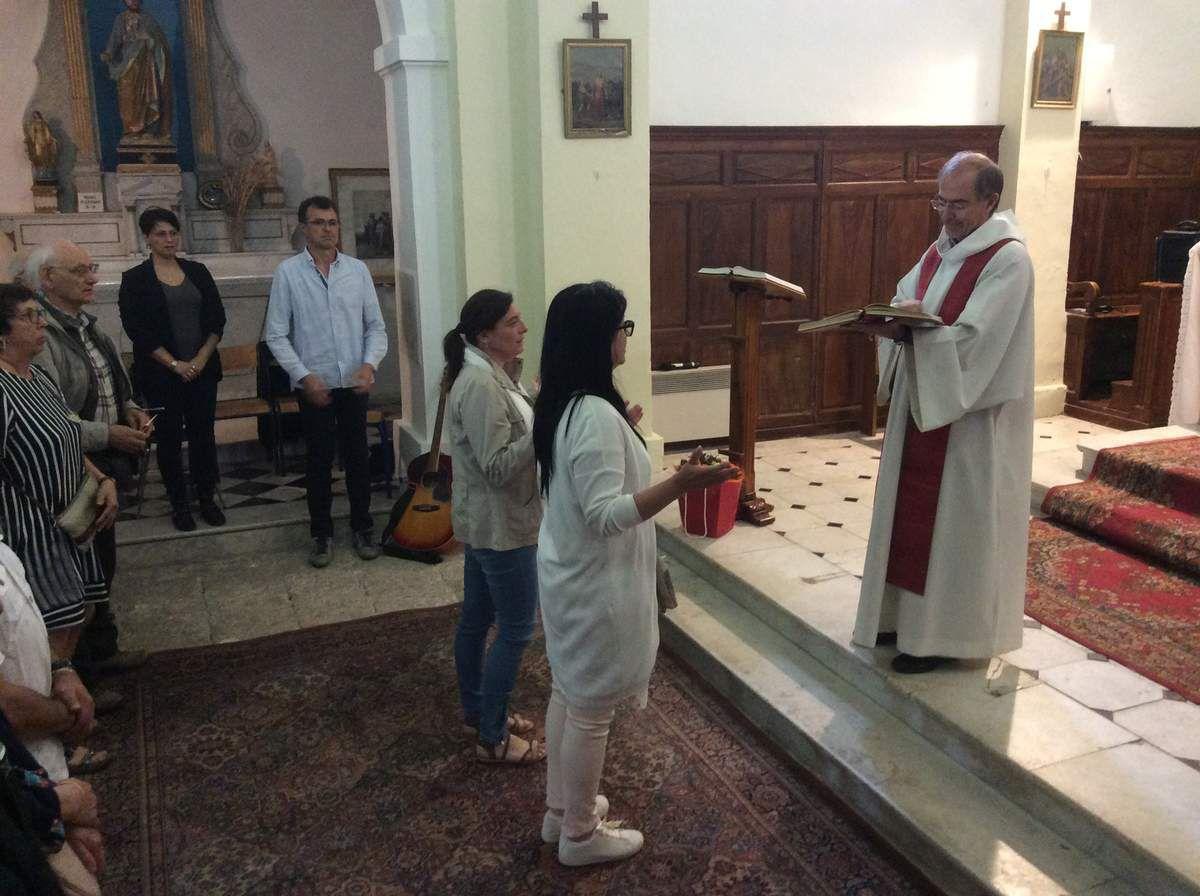 C'est dans une église bondée, que les habitants de Saint Julien et le cercle du Saint Esprit ont fêté la Pentecôte lundi.