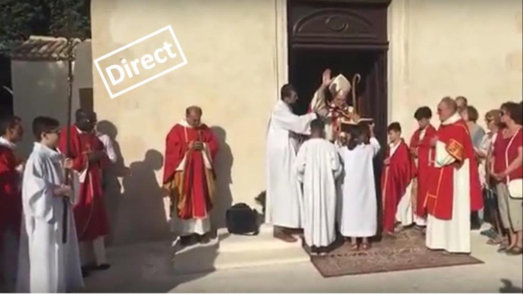 Bénédiction de l'église de Saint Pierre diffusée en direct sur la page de la Paroisse de Martigues