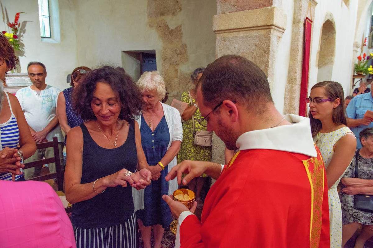 Une église comble pour sa bénédiction ! Photos Alain Espinosa