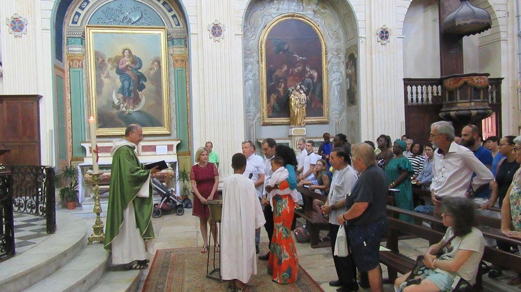 Jourdain a été baptisé à La Madeleine dans l'eau du jourdain.