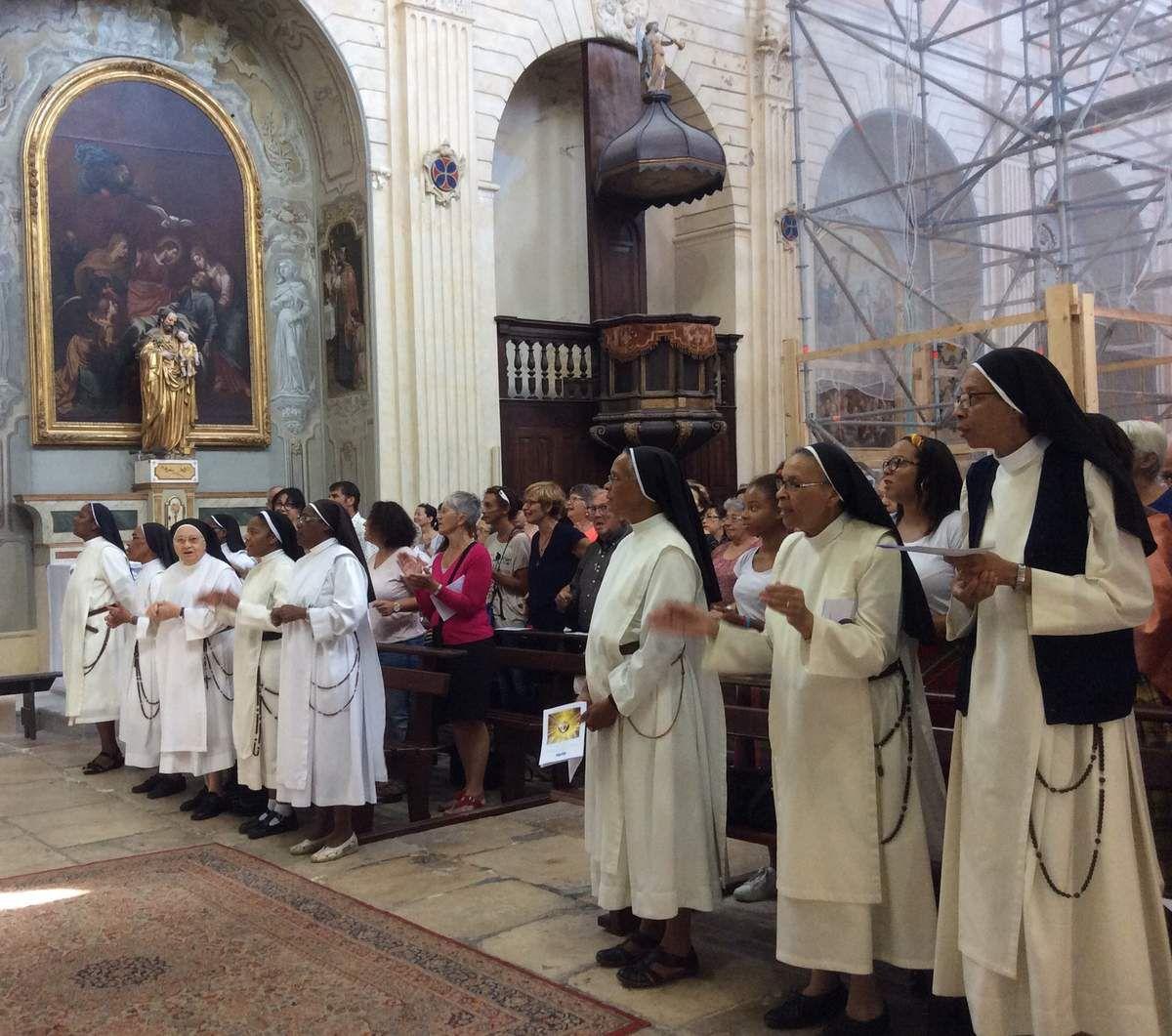 Messe solennelle à La Madeleine, repas festif puis Vêpres à Saint Louis d'Anjou : les Soeurs ont fêté à Martigues les 150 ans de la fondation de leur Congrégation.