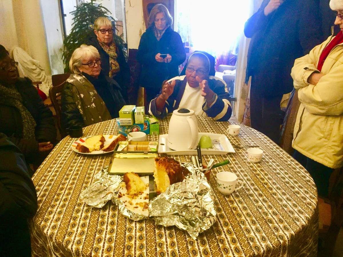Les paroissiens étaient heureux de revoir Sœur Françoise à La Madeleine. Elle repart dimanche après quelques jours de vacances à Martigues.