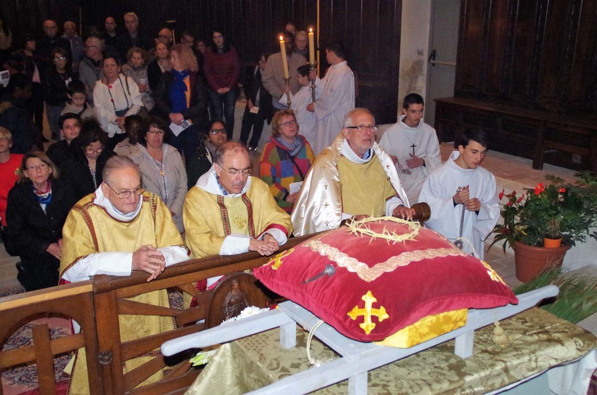 Messe de la Cène à Saint Genest, procession et veillée à l'Annonciade