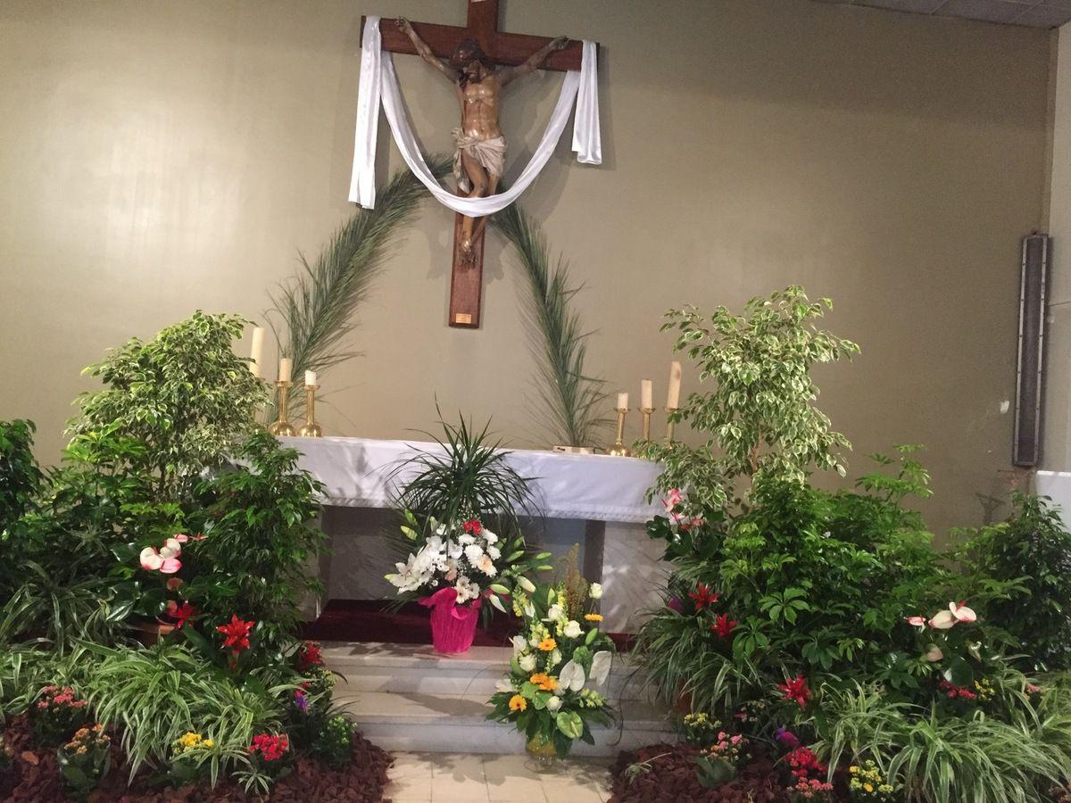 Chapelle de Croix Sainte à 10h30.
