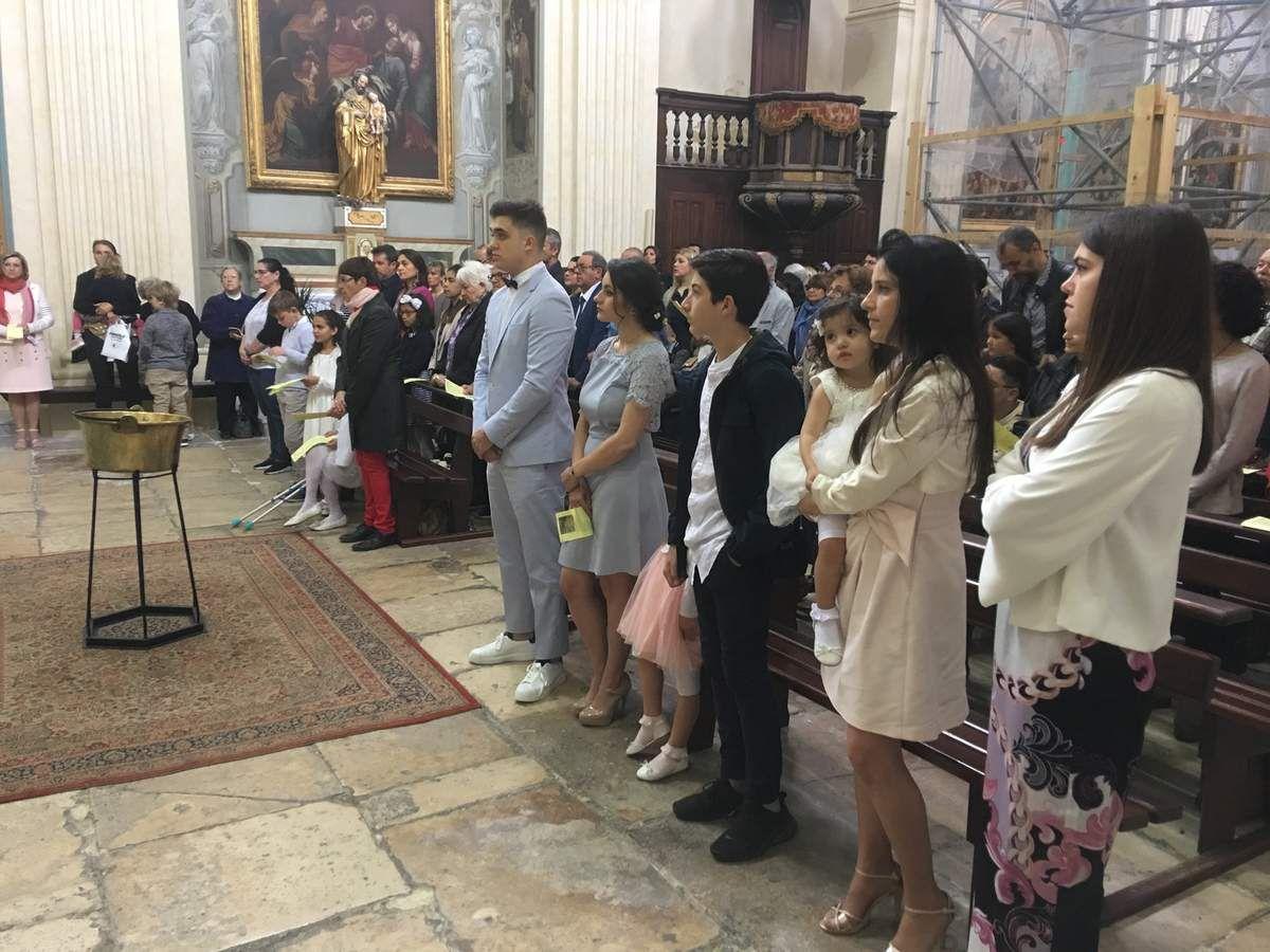 Baptême de Clara et Premières communions de Eleana, Paul Edouard, Lara et Abichaim, ce matin à La Madeleine.