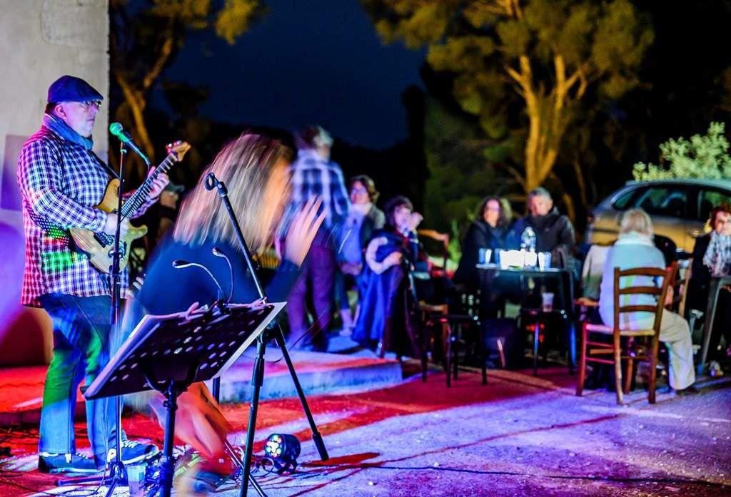 Free Spirit Quartet Jazz band : Musique et buffet au clair de lune avec l'aide de Saint Pierre ! Photos Alain Espinosa.