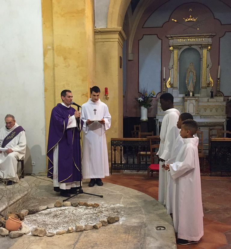 Remise de la Croix à Joël, Klyvan et Mattew.