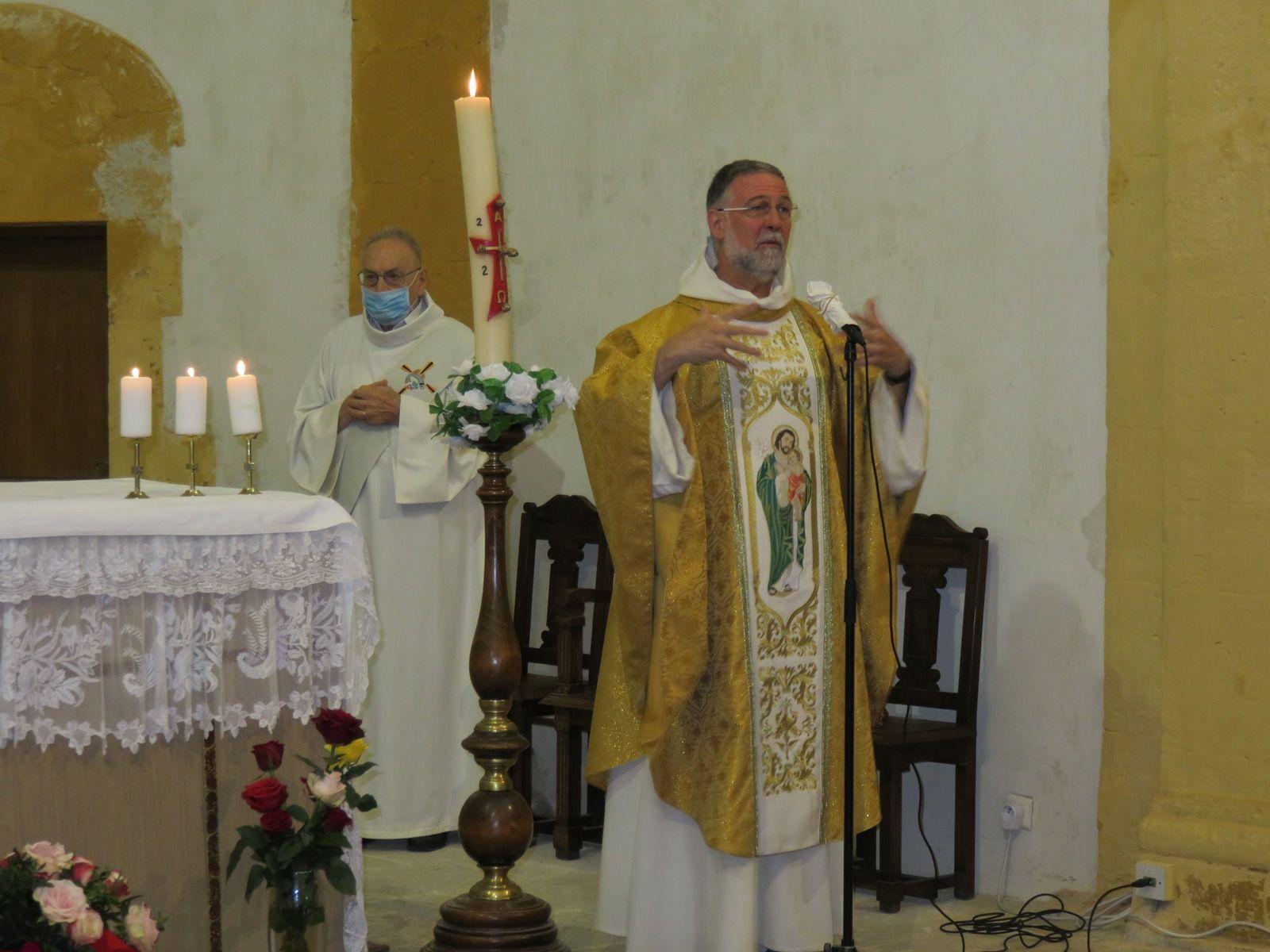 Trois Messes ont été célébrées en présence des fidèles : règles sanitaires respectées et joie de retrouver l'Eucharistie