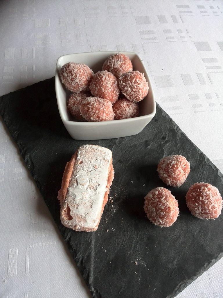 truffes roses au chocolat blanc et noix de coco