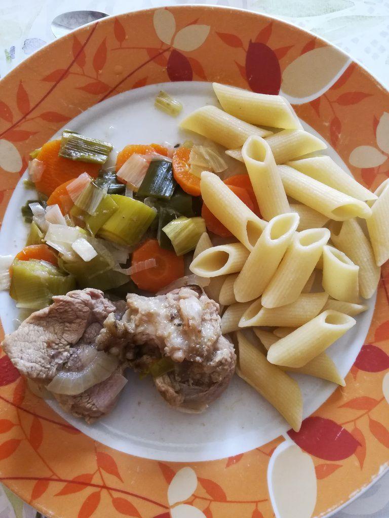 Sauté de veau aux poireaux et carottes