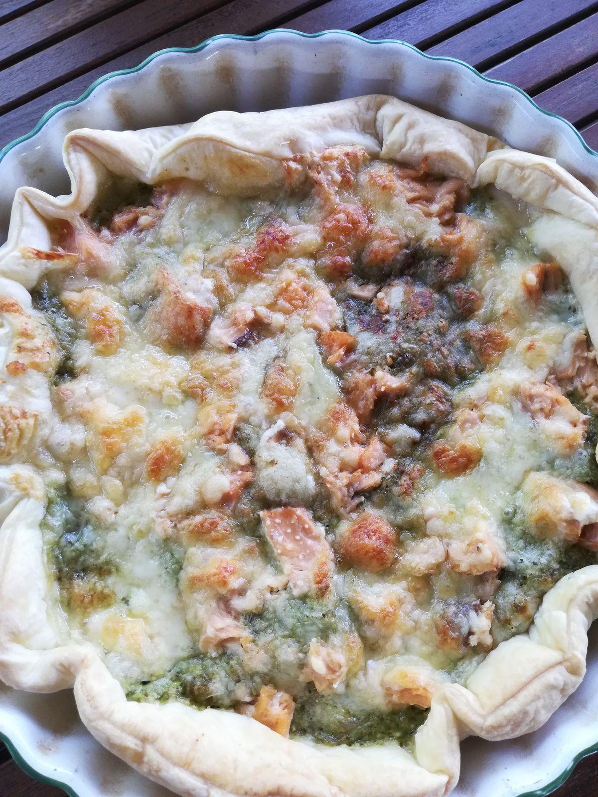 tarte pesto de fanes de radis saumon mozzarella
