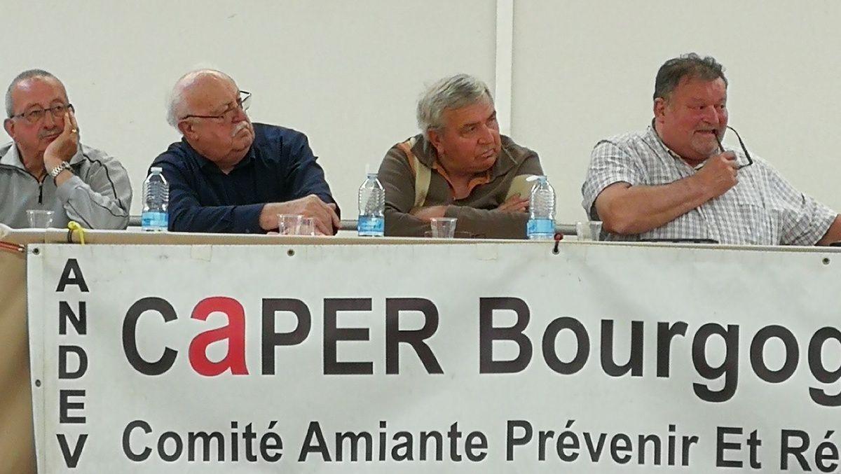 Membres du conseil d'administration / Guy TALES à droite d'André ACCARY président du CD71