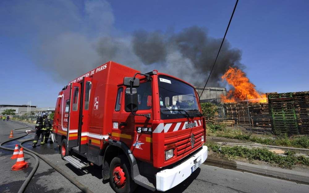 Incendie samedi et dimanche dans la décharge Veolia Claye-Souilly: des pompiers de 4 casernes déplacés pour éteindre le sinistre!