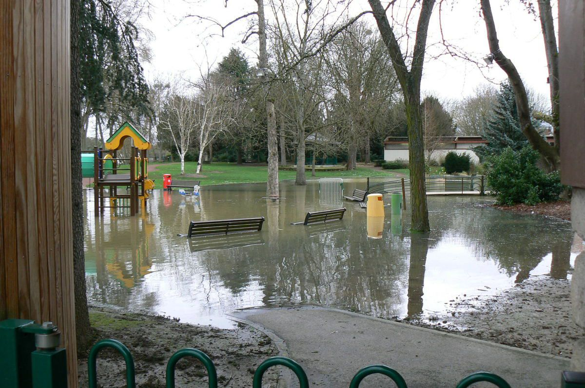24.1.2018 square inondé en bord de Marne