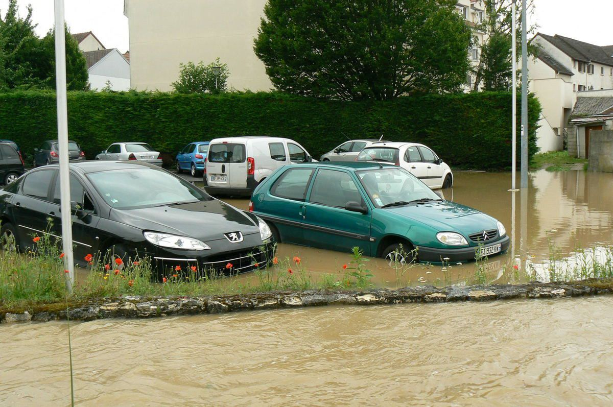 Inondations 12/6/2018 parking centre ville Claye-Souilly