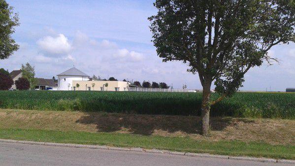 Circonscription Rodrigue Kokouendo: Ecole primaire de St Mesmes au bord des champs cultivés par l'agriculture intensive