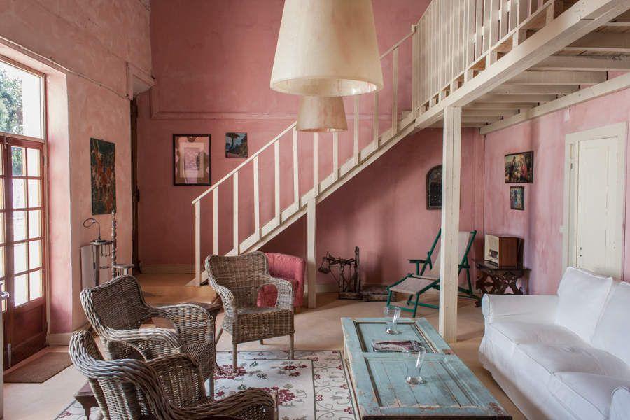 Une maison d'hôte rose et rustique au Portugal
