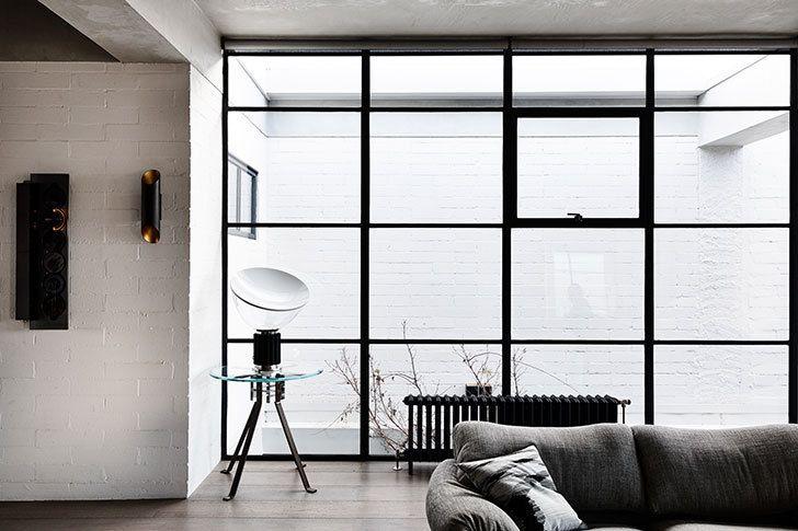 Un appartement au chic industriel avec toit-terrasse