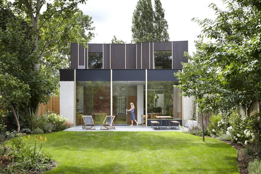 Une maison avec patio